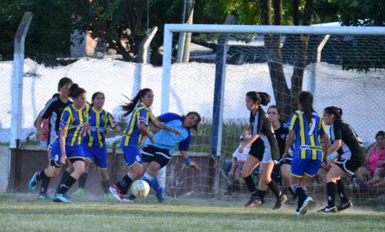 Las chicas de Almagro comienzan a buscar el título provincial