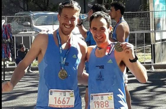 uruguayenses en los multitudinarios 42k de buenos aires