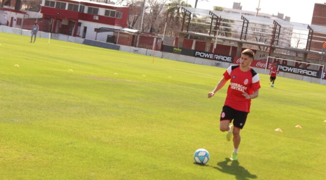 NICO RETAMAR YA ENTRENA EN BARRACAS CENTRAL